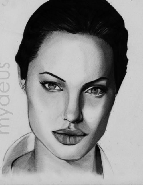 Angelina Jolie por Mydeus